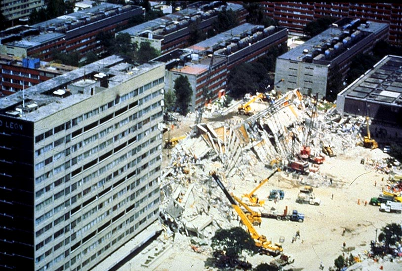 Aerial view of the collapsed building looking northwest (William Stone, NBS)
