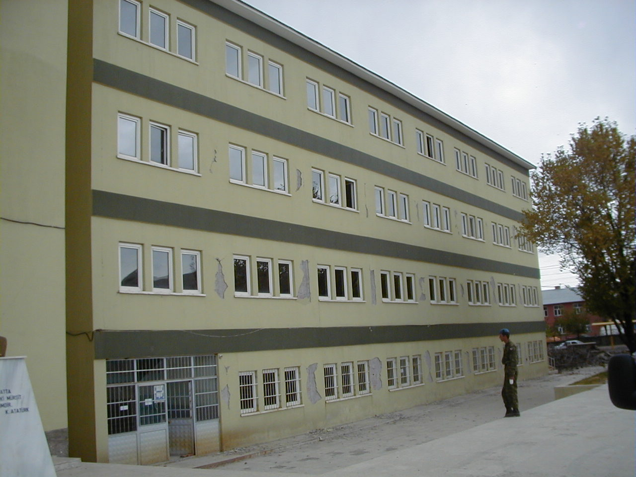 Front view of Building B after the earthquake (Retrieved from AnatolianQuake.org).