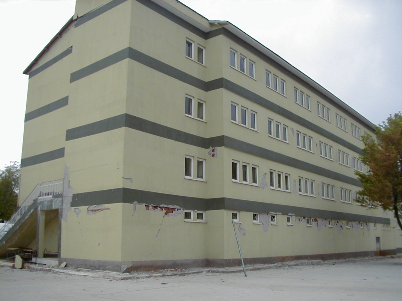 Back view of Building B after the earthquake (Retrieved from AnatolianQuake.org).