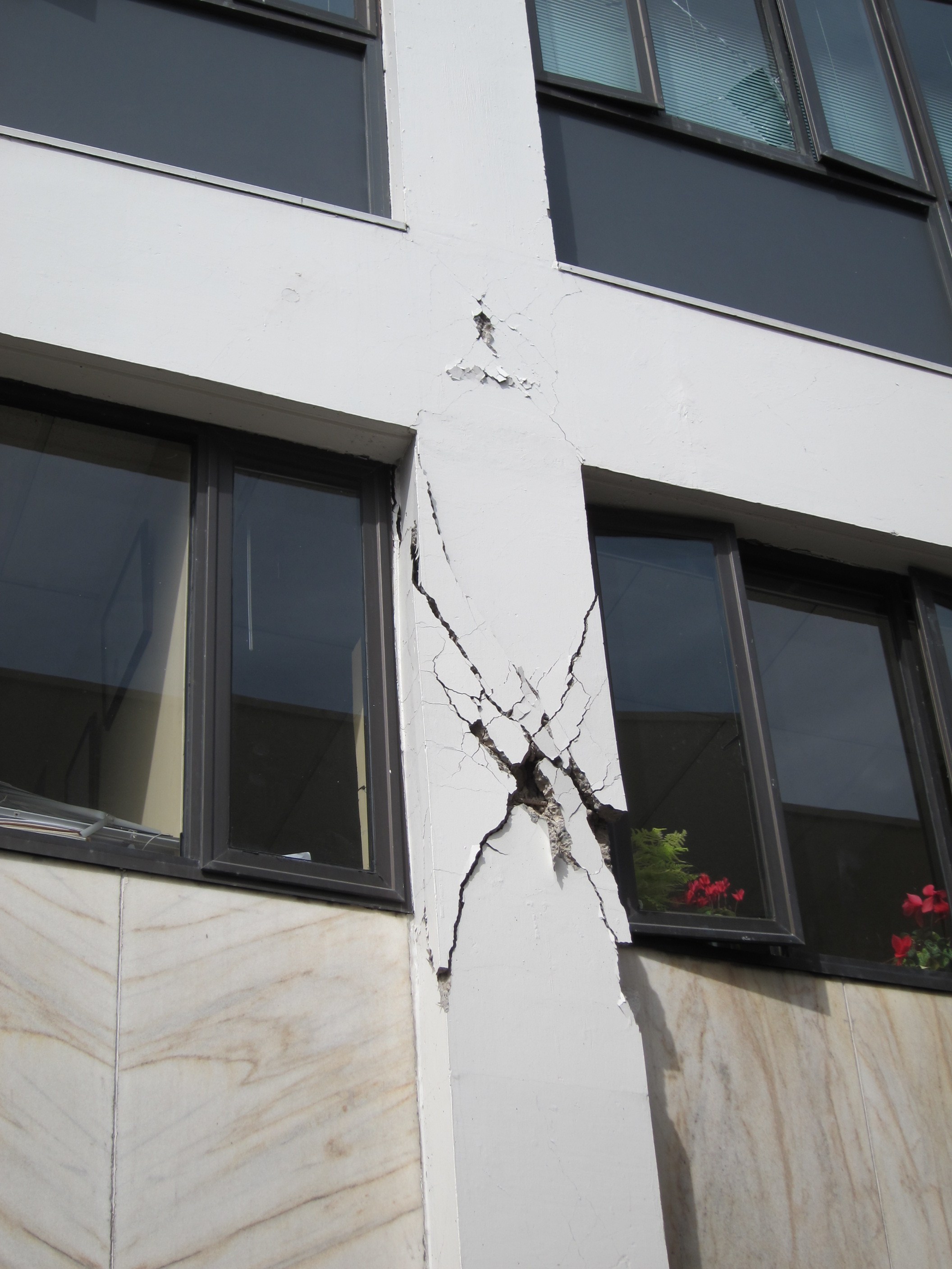 Home Concrete Buildings Damaged In Earthquakes